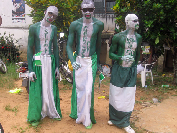 Some of the entertainers at ReachOut Nigeria Carnival held in Afikpo in 2010